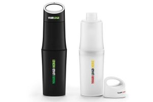 Die BEO Bottle Wasserflaschen können mit maximal 4 Farben PMS bedruckt werden. Wir können sowohl die Kappe (Druckformat 15 x 30 mm) als auch den unteren Teil (Druckformat 30 x 60 mm) der BEObottle mit Ihrem Logo bedrucken.