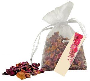 Rosenblüten im Organza-Säckchen als Werbeartikel mit Logo im PRESIT Online-Shop bedrucken lassen