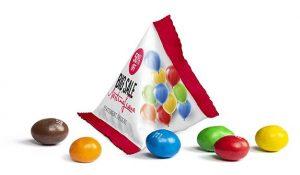 M&M's Peanut im Mini Tetraeder als Werbeartikel mit Logo im PRESIT Online-Shop bedrucken lassen