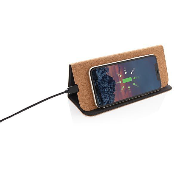Faltbarer Wireless Charger Anwendungsbeispiel – Werbeartikel im PRESIT Online-Shop mit Logo bedrucken lassen
