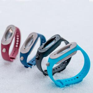 Desinfektionsmittel Armband nachfüllbar in verschiedenen Farben mit Logo WER GmbH