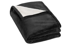 Decken besticken lassen – Kuschelige Wohndecke für gemütliche Stunden.