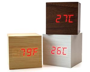 Tischuhren mit Gravur & Druck – Die Thermometer-Uhr